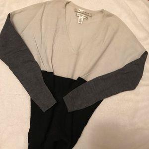 Fine merino wool tri-color sweater. Small